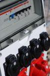 Mobiler Kunststoff-Verteiler mit Tragegriff